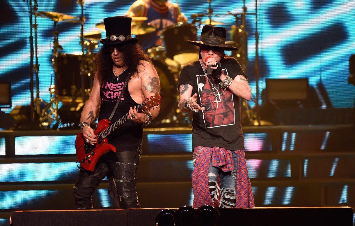 Guns N' Roses Performed 'Dead Horse'